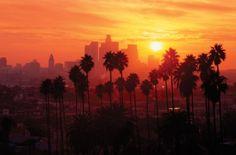Um pouco mais sobre o clima de Los Angeles para quem quer fazer um intercâmbio nos Estados Unidos: http://www.studyglobal.net/portuguese/intercambio-curso-de-ingles-estados-unidos.htm