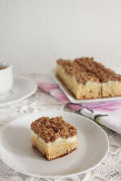 Egy forró latte mellé a legjobb – Fahéjas coffee cake – SweetHome Indian Cake, Cake Recipes, Dessert Recipes, Melted Butter, Cake Pans, Sweet Life, Coffee Cake, Latte, Sweets