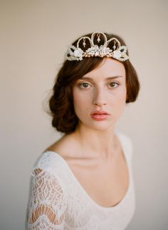 Stunning Twigs and Honey, crown.