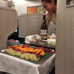 A Look At Cathay Pacific's New Dine On Demand Business Class Service #travel  #nhtravelagent #traveltips #wheelocktravel