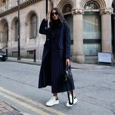Walking on what feels like a cloud ☁️ Uni Outfits, Winter Outfits, Cool Outfits, Black Coat Outfit, Wardrobe Basics, Feel Like, Walk On, Duster Coat, Street Style