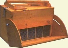 marburg swarm box, with funnel open