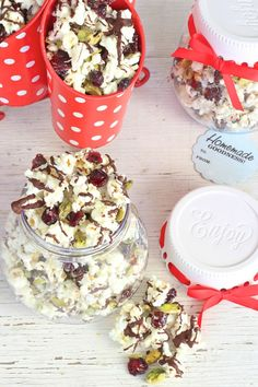 The holidays are sneaking up and that means gifts and goodies galore!  Try making this Cranberry Coconut Pistachio Popcorn recipe that can be wrapped up and given as DIY edible gift this Christmas season.
