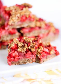 Craving a sweet breakfast treat? Bake a batch of wholesome banana berry oat bars sweetened with banana and honey then topped with fresh strawberries.