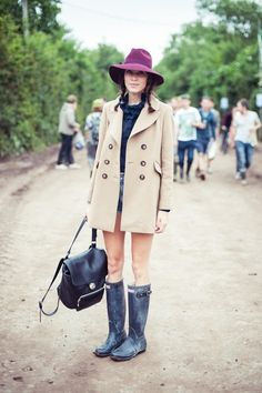 Alexa Chung  - for more inspiration visit http://pinterest.com/franpestel/boards/