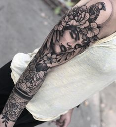 80 Fascinating Sleeve Tattoos For Men and Women - Page 8 of 8 - Sleeve tattoos for women - Quarter Sleeve Tattoos, Best Sleeve Tattoos, Sleeve Tattoos For Women, Tattoo Sleeve Designs, Tattoo Designs For Women, Tattoos For Guys, Sleeve Tattoo For Guys, Female Tattoo Sleeve, Tattoo Sleeves