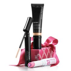For the girl on the go, get the perfect makeup trio. It's natural beauty in a flash, so you're ready to ... dash.