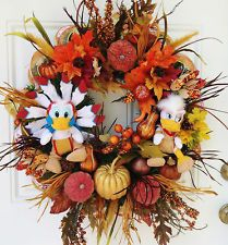 Thanksgiving Wreath with Donald and Daisy Duck