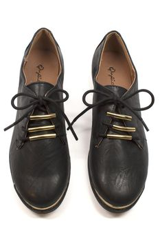Martin Oxfords on www.mooreaseal.com