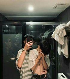 ~busco un daddy~ # Fanfic # amreading # books # wattpad Lgbt Couples, Cute Gay Couples, Cute Couples Goals, Couple Goals, Tumblr Gay, Couple Ulzzang, Korean Boys Ulzzang, Gay Aesthetic, Couple Aesthetic