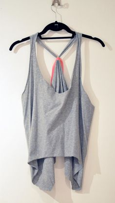 DIY Clothes Refashion: DIY Oversized Cropped Tank or Vest diy clothes diy t-shirt