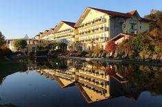 HOTELANSICHT Hotel Angerhof Sport & Wellnesshotel in Bayern!  #leadingsparesorts #leadingspa #wellness #spa #beauty #hotel #luxury #resorts #urlaub #travel #nature #view #booking Luxury Resorts, Nature View, Wellness Spa, Sport, Resort Spa, Travel, Beauty, Bavaria, Deporte