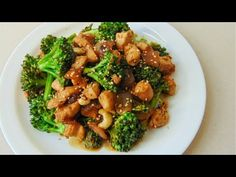 Pollo con brócoli y salsa de soja Broccoli with chicken and soy sauce Chicken brocoli light Onion Recipes, Spinach Recipes, Chicken Recipes, Healthy Recipes, Healthy Drinks, Chicken Brocoli, Soy Sauce Chicken, Liver And Onions, Kitchen Aid Recipes