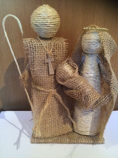 Sagrada família by Marina Christmas Nativity Scene, Christmas Baubles, Felt Christmas, Christmas Angels, Handmade Christmas, Nativity Scenes, Jute Crafts, Craft Stick Crafts, Christmas Crafts
