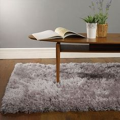 Quality Sheepskin Rug made with 100% Polyester.