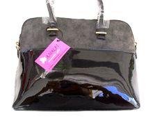 de7bc27ae1e Μαύρη λουστρίν τσάντα μεσαίου μεγέθους με 35.00 τελική τιμή στο  http://amalfiaccessories.