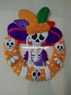 Manualidades Halloween Moldes Halloween, Manualidades Halloween, Adornos Halloween, Halloween 2019, Halloween Diy, Mexican Crafts, Felt Wreath, Unicorn Baby Shower, Trick Or Treat