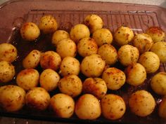 I searched and searched for a recipe to make Parisienne or Portuguese potatoes. Read More by claremcs Potato Dishes, Potato Recipes, Portugal, Portuguese Potatoes, Portuguese Recipes, Portuguese Food, After Dinner Cocktails, Great Recipes, Favorite Recipes
