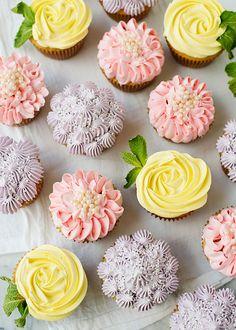 How to make beautiful spring flower cupcakes, roses, zinnias, and hydrangeas.