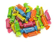 Tootsie Flavor Rolls are the same size and texture as a Midgee but come in lemon, vanilla, cherry, orange and lime flavors. 1950s Candy, Glass Candy Jars, Penny Candy, Chocolate Roll, Candy Companies, Chewy Candy, Bulk Candy, Candyland, Junk Food