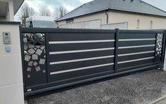 Modern Gates, Gate Designs Modern, Modern Entrance, Modern Design, House Main Gates Design, Front Gate Design, Fence Design, Front Gates, Entrance Gates