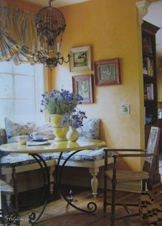 A Look at Country French 9 Absolutely Helpful Tips Beautiful breakfast nook! Love the air balloon chandelier! The post A Look at Country French 9 Absolutely Helpful Tips appeared first on Etta Ward. French Country Rug, French Country Dining Room, French Country Kitchens, French Country Bedrooms, French Decor, French Country Decorating, Country Living, Kitchen Country, Country Blue