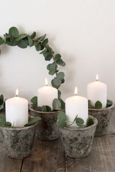Vierter Advent DIY advent wreath with eucalyptus wreaths Noel Christmas, Winter Christmas, Christmas Wreaths, Christmas Crafts, Christmas Decorations, Holiday, Deco Table Noel, Navidad Diy, Advent Wreath