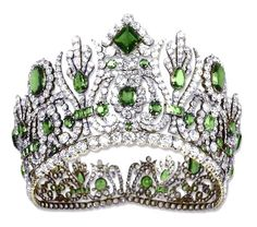 Empress Marie Louise's Emerald & Diamond Diadem! What would a day be without a diadem, crown or tiara? Royal Crown Jewels, Royal Crowns, Royal Tiaras, Royal Jewelry, Tiaras And Crowns, Pageant Crowns, Head Jewelry, Bling Jewelry, Jewlery