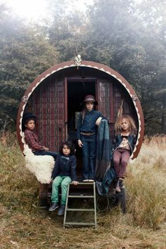 One time Quinoa joined a troupe of nomadic child models to write a compelling exposé for Vogue. #MIWDTD