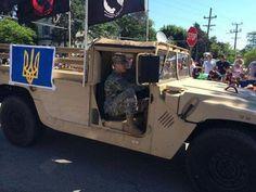 На військовому параді до Дня незалежності #США їхало авто з українським тризубом. #Україна #тризуб