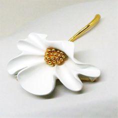 White Floral Brooch - Vintage, Monet Signed, Gold Tone, White Enamel Flower Brooch by MyDellaWear on Etsy $14