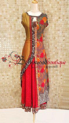 Product Details : Look glamorous in this ethnic style dress. Lehenga Designs, Kurta Designs, Blouse Designs, Kurti Patterns, Dress Patterns, Sewing Patterns, Salwar Kameez Neck Designs, Indian Gowns Dresses, Maxi Dresses