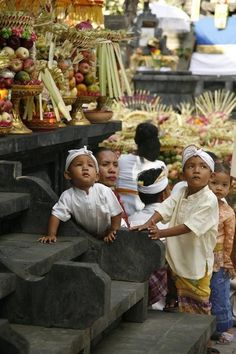 Bali - Balinese kids at a temple ceremony