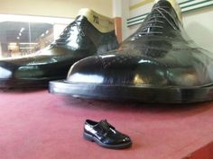 Largest Pair of Shoes from Marikina, Philippines. President Of The Philippines, Baguio, Shoe Gallery, Philippines Travel, How To Make Shoes, Combat Boots, Oxford Shoes, Dress Shoes, Lace Up