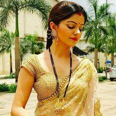 Bengali Bridal Makeup, Rajputi Dress, Beautiful Saree, Beautiful Bride, Beautiful Women, Indian Beauty Saree, Indian Sarees, Saree Look, Bollywood Girls