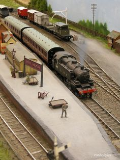 For some people, collecting toy trains isn't just another hobby or interest; The concept of collecting toy trains has been around for centuries. Nearly everyone has some type of connection to toy trains, whether it N Scale Model Trains, Model Train Layouts, Scale Models, Escala Ho, Model Railway Track Plans, Garden Railroad, Ho Trains, Train Set, Train Station