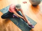 Stretching and strengthening exercises can help keep your neck limber and relieve arthritis pain. Try these 5 exercises. Prevent Arthritis, Yoga For Arthritis, Juvenile Arthritis, Natural Remedies For Arthritis, Rheumatoid Arthritis Treatment, Knee Arthritis, Arthritis Pain Relief, Arthritis Gloves, Knee Osteoarthritis