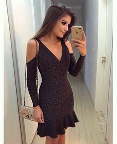 {Friday ✨} De lurex by Apaixonada ♥️A loja envia para todo Brasil meninas! E tem muuuuita coisa linda Modest Dresses, Simple Dresses, Casual Dresses, Short Dresses, Girls Dresses, Night Outfits, Chic Outfits, Fashion Outfits, Fashion 2017