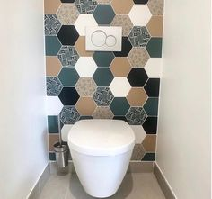 Small Downstairs Toilet, Small Toilet Room, Washroom Design, Bathroom Design Luxury, Toilet Room Decor, Small Toilet Design, Small Bathroom Interior, Tiny Powder Rooms, Toilette Design