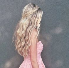 Prom hairstyles medium long hair for men women hairstyle The best prom hairstyles medium long hair Are best suited for Teenage girls also think that this hai...