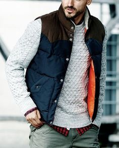 42 Comfy Winter Fashion Outfits for Men Winter Mode Outfits, Winter Fashion Outfits, Winter Outfit For Men, Color Combinations For Clothes, Color Combos, Baggy Pants, Style Masculin, La Mode Masculine, Italian Fashion