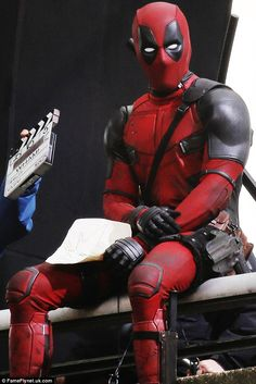 kuudererules:  Deadpool on the set (6)
