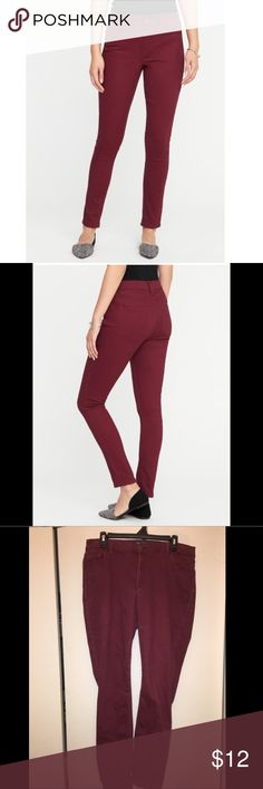 Old Navy Size 16 Rockstar Jeans Maroon These Old Navy Rockstar Jeans are INCREDIBLY comfy. The color is beautiful, but has faded slightly due to gentle wear. Size 16, stretches in the waist as you wear them throughout the day. Old Navy Jeans Skinny