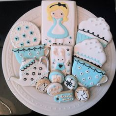 Alice in Wonderland Tea Party Decorated Cookies by peapods cookies