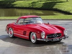 1961 Mercedes-Benz 300 SL – Roadster - Vintage and Retro Cars Mercedes Auto, Mercedes Benz 300 Sl, Mercedes Classic Cars, Mercedes Benz Autos, Bmw Classic Cars, Auto Retro, Retro Cars, Vintage Cars, Fancy Cars