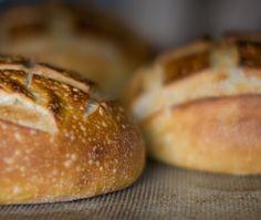 Bonnie Stern's No-Knead Artisan Bread Recipe from Friday Night Dinners Bread Winners, Artisan Bread Recipes, Bread Starter, No Knead Bread, Sourdough Bread, Bread Bun, Yummy Eats, Bread Baking, No Cook Meals