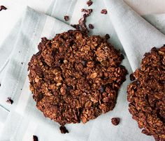 Chocolate Oat Cookies | Deliciously Ella