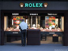 Rodeo Drive Stores | Rodeo Drive : Beverly Hills , California