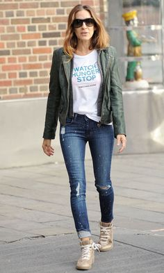 b64bbd113df8 Sarah Jessica Parker in Michael Kors T-shirt in New York - Thursday 17  October