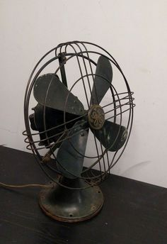 GE ocelating 3 speed fan | Collectors Weekly